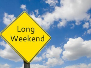 Long,Weekend,Sign,With,Blue,Sky.,Preparing,Vacations,In,The